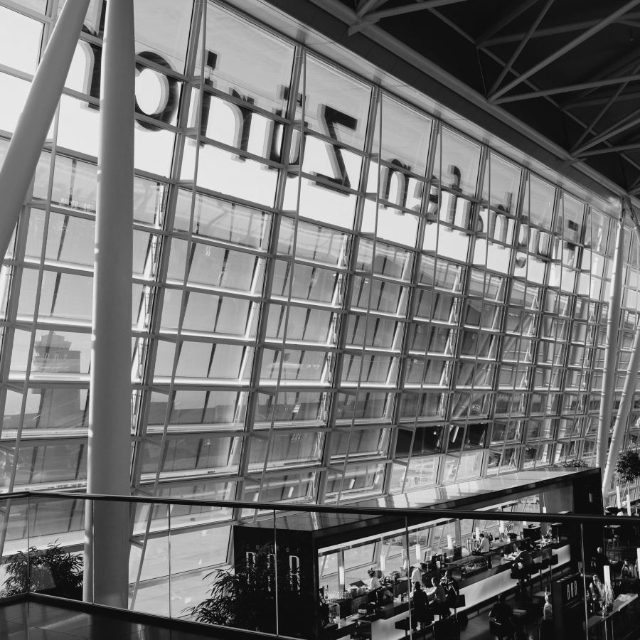 Zürich Airport bw